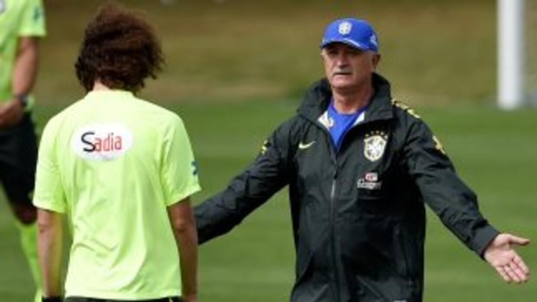 El técnico de Brasil señaló que está conforme con la designación de Marc...