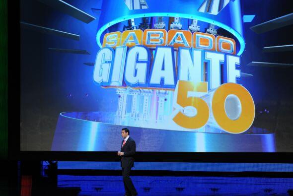 Y rendir tributo a un grande, Sábado Gigante cumplirá en el 2011 50 años...