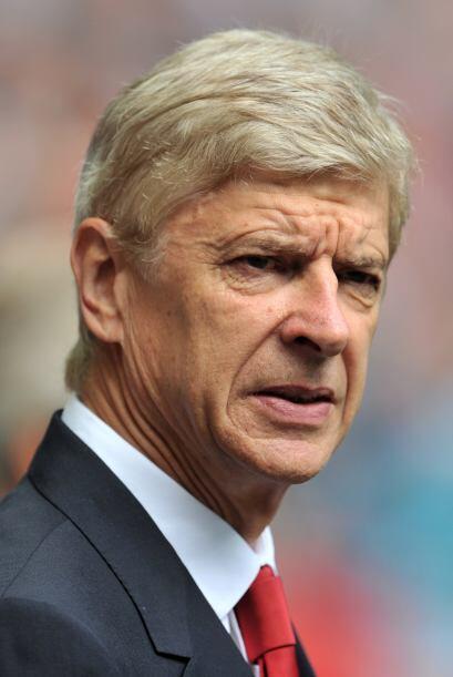 Arsene Wenger, el veterano entrenador de los londinenses, veía la...