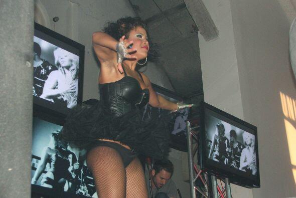 Ellas no pararon de bailar y mostrar sus encantos al público.