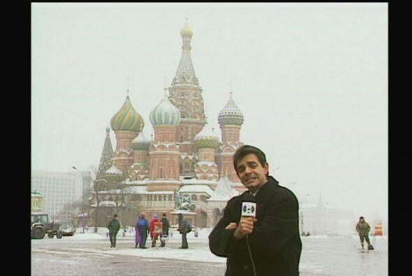 Rigoberto Peláez es un corresponsal en el extranjero que  nos presenta d...