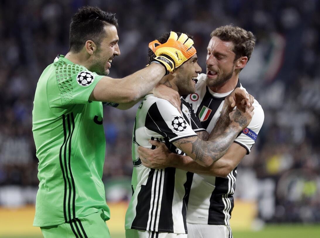 ¿Finalmente Buffon será recompensado con 'La Orejona'? AP_17129713350671...