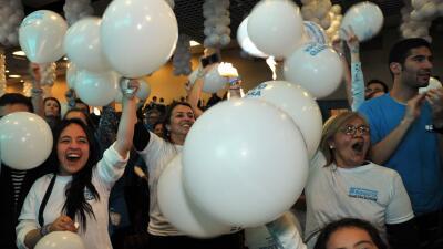 Partidarios de Peñalosa celebran la victoria de su candidato.
