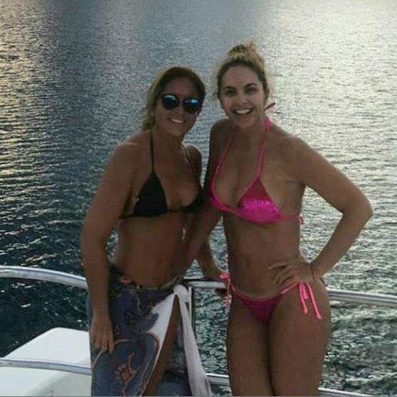 Lucero en bikini