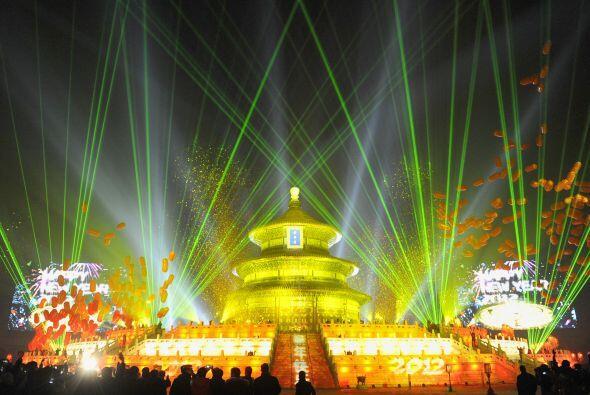 Los chinos celebran la llegada del año en el Templo del Cielo (TemploThe...