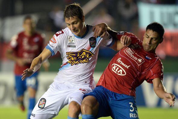 Procedente del Belgrano de Argentina, Julio César Furch (izquierda) será...