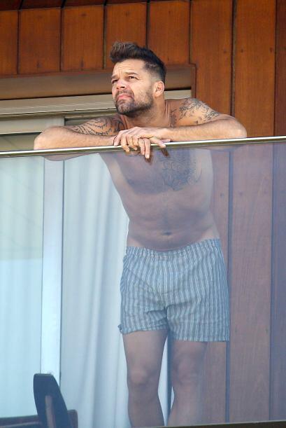 Ricky Martin dejó el buen vestir metido en la maleta de viaje, pu...
