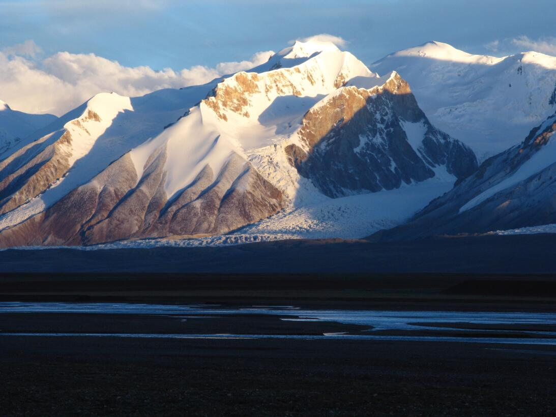 China: Qinghai Hoh Xil, world's highest and largest plateau