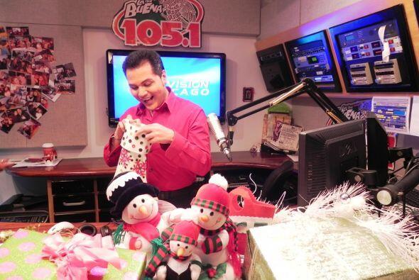 El locutor y presentador Aureliano Salgado se fijó en su bota navideña.