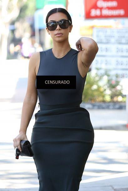 Kim, sin ningún tipo de apuro, siguió su paso.