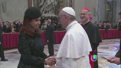 El papa Francisco inició hoy su papado despertando un sentimiento de esp...