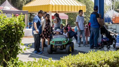 Familias del valle central visitaron los parques temáticos Playla...