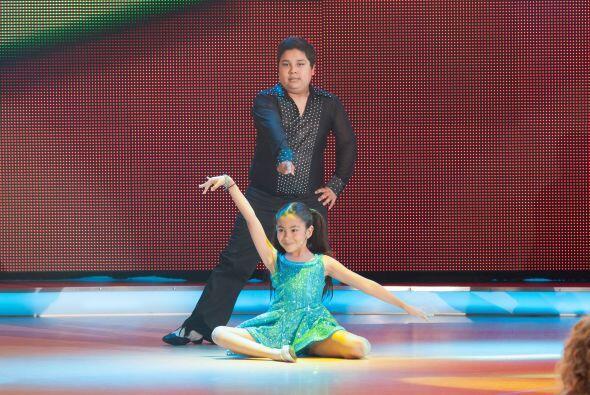 Cada pareja bailó el fragmento de una canción para poder mostrar sus con...