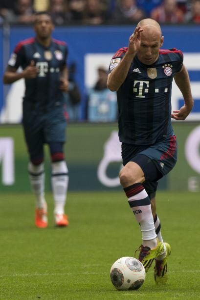 Robben es quizás el futbolista más veloz del mundo al momento de conduci...