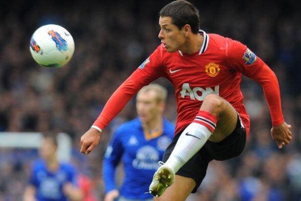 Javier Hernández sigue manteniendo sus buenas actuaciones. Sus goles son...