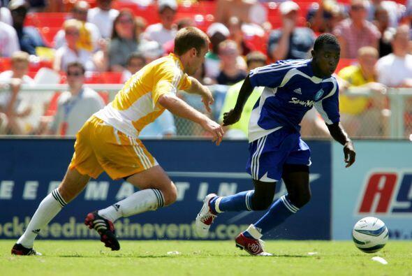 En el 2004 la MLS decidió volver al formato de enfrentar a las estrellas...