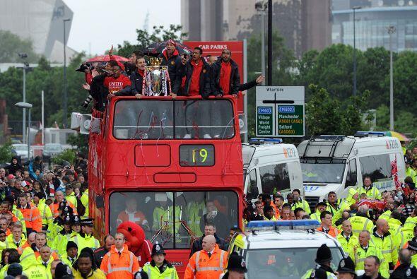 El camión hacía su recorrido por diversas calles de la ciudad inglesa.