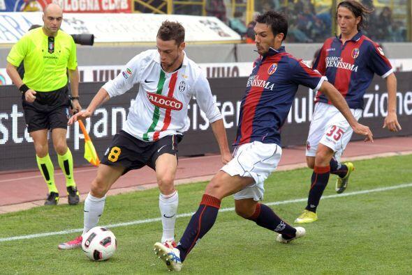 La Juventus, con un torneo irregular, visitó el campo del Bolonia.
