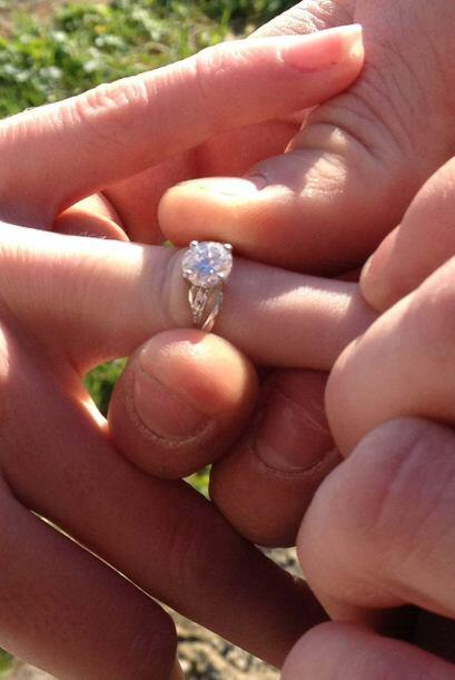 Afortunadamente el lindo anillo le quedo justo a la medida.