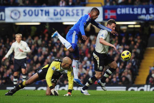 El comienzo del partido tuvo a un Chelsea tirado al ataque pero falto de...