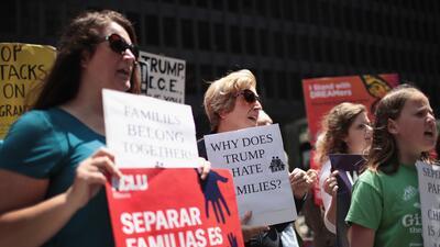 Así protestan en Chicago para exigir un alto a la separación de familias en la frontera