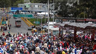 Ante la ola migratoria, Venezolanos deberán presentar pasaporte para ingresar a Ecuador