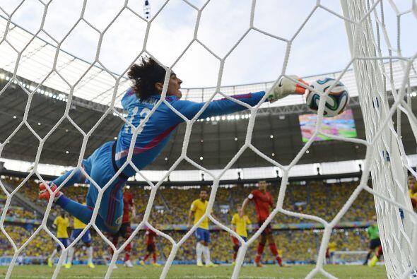 Ochoa brindó una estupenda actuación en Brasil, pero no ha resuelto su f...