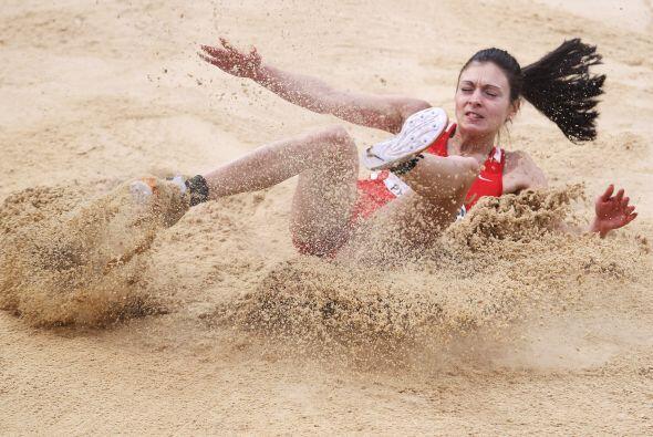 La bielurrusa Nastassia Mironchyk-Ivanova se quedó sin medalla en...