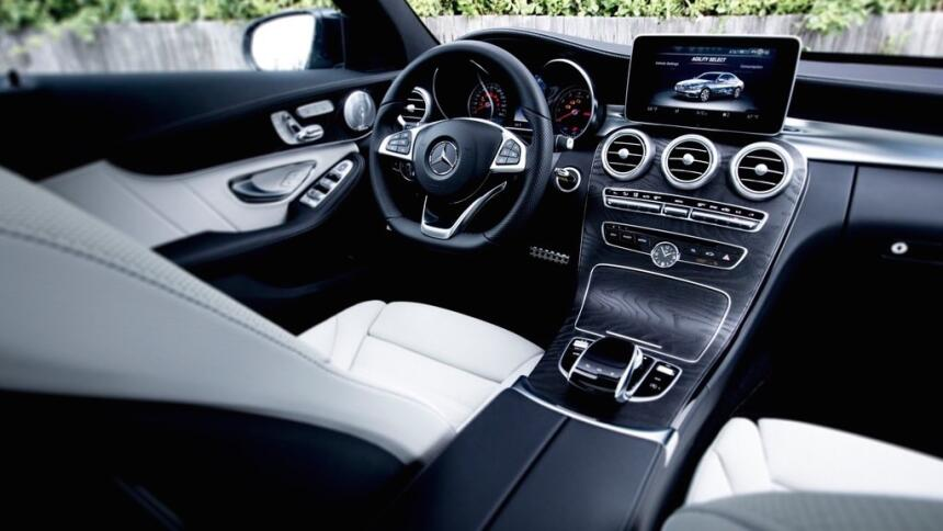 Estos autos alemanes son hechos en EEUU Mercedes-Benz-C-Class_US-Version...