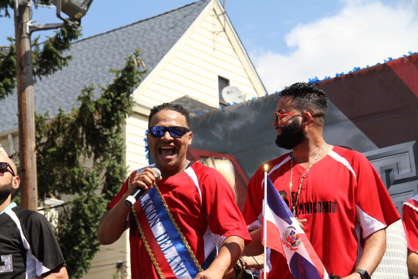 Celebra La X en el Desfile Dominicano en NJ IMG_1835.JPG