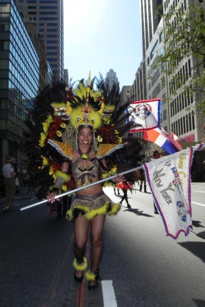 imágenes en el desfile de la Hispanidad 1056be4626a4466696f9e3893a78cf05...