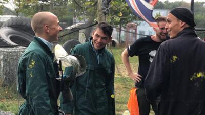 ¡Campeón hasta en gotcha! 'Chucky' Lozano y su tino de francotirador en el PSV