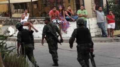 El empleo de las fuerzas armadas en el combate a los cárteles del narcot...