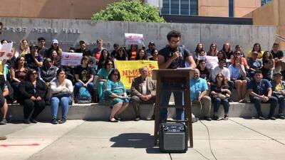 Estudiantes indocumentados crean 'Dream Campus' para protegerse y seguir adelante con sus sueños