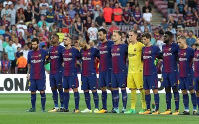 El Camp Nou rinde homenaje a las víctimas de  los ataques de Barcelona