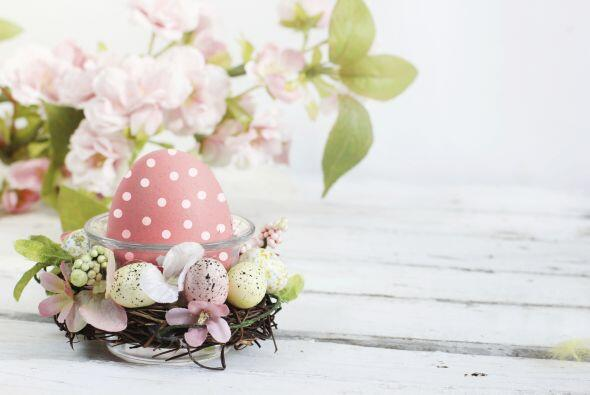 También puedes pintar los huevos de Pascua en diversas tonalidades paste...