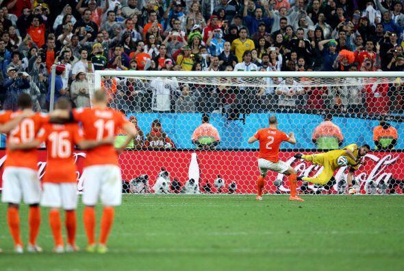 Con los penaltis parados a los holandeses Ron Vlaar y Wesley Sneijder, '...