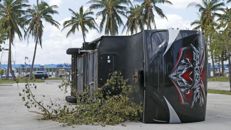 Fabricantes ofrecen ayuda financiera a víctimas de huracanes Huracan aut...