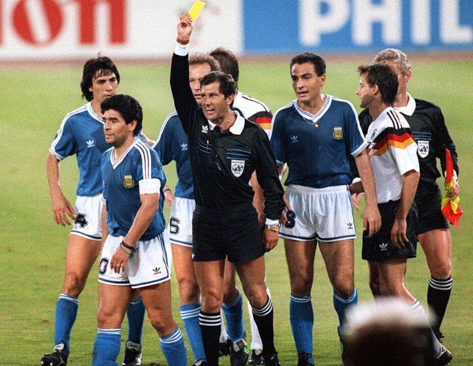 """Maradona critica a Sampaoli: """"No fue buen jugador y no es buen pensante""""..."""