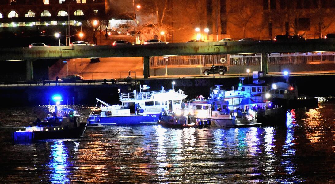 Helicoptero cae al rio Hudson Nueva York