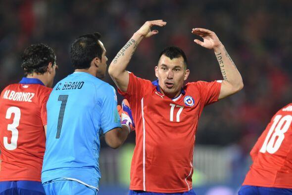 Chilenos y mexicanos se brindaron al máximo para dar un vibrante partido...