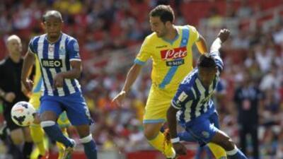 Higuaín no pudo hacerse presente en el marcador.