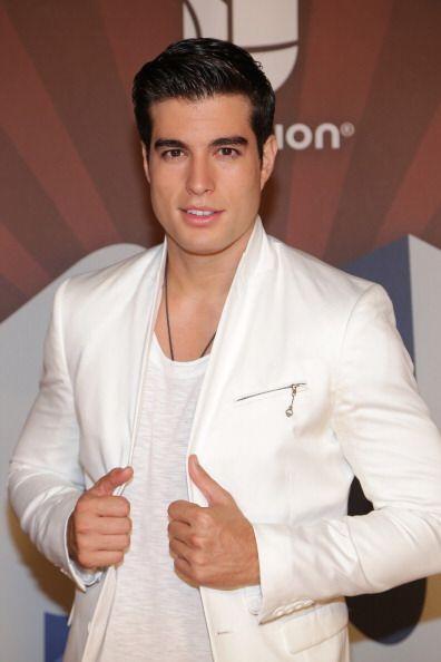 El presentador de televisión, Danilo Carrera también aparece dentro del...