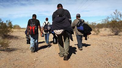 Aumenta inmigrantes cruzando la frontera después del anuncio de la orden...