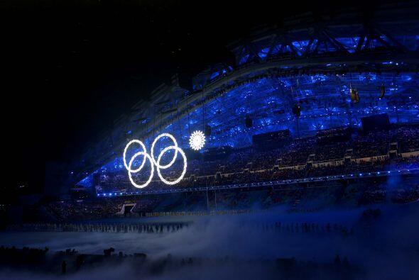 La ceremonia de inauguración de los XXII Juegos Olímpicos de Invierno ar...