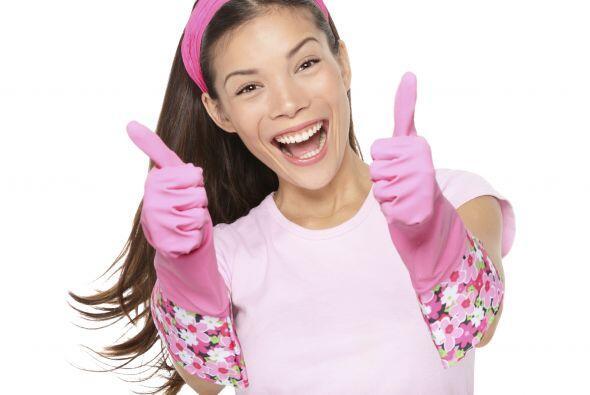 Otra cosa que es descuidada durante estas labores hogareñas son tus mano...