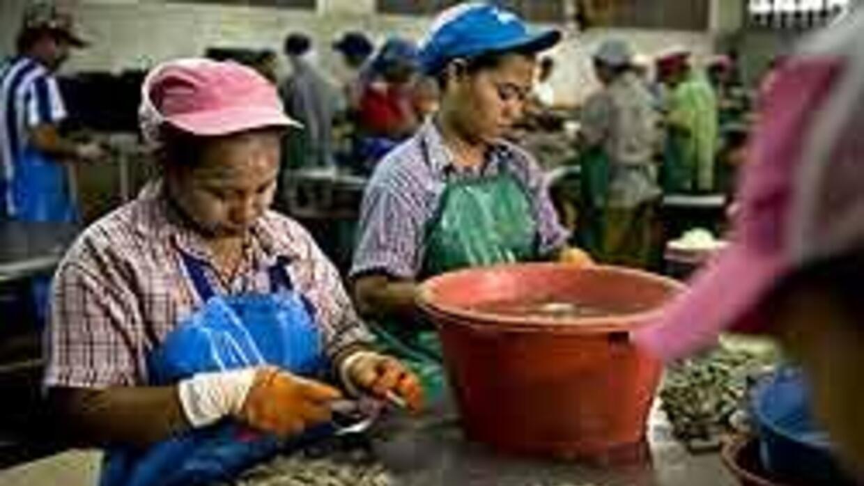 Inmigrantes mexicanas demandaron a compañía por discriminación sexual b0...