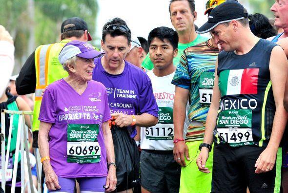 Harriet Thompson es una anciana de 91 años de edad, que no solo corre po...