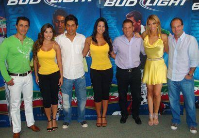 Hasta leyendas del fútbol mexicano llegaron a ver a las Senadoras...