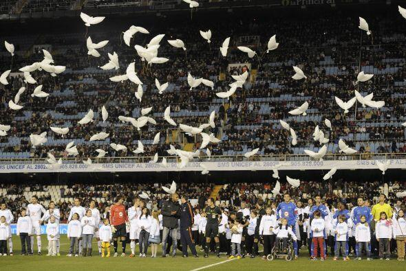 El fútbol fue lo de menos en una fiesta solidaria en la que los j...